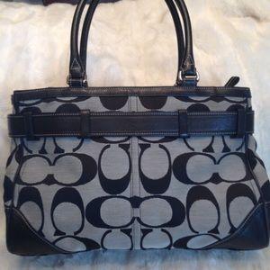 🌺 BNWT authentic COACH large Hampton satchel b/w